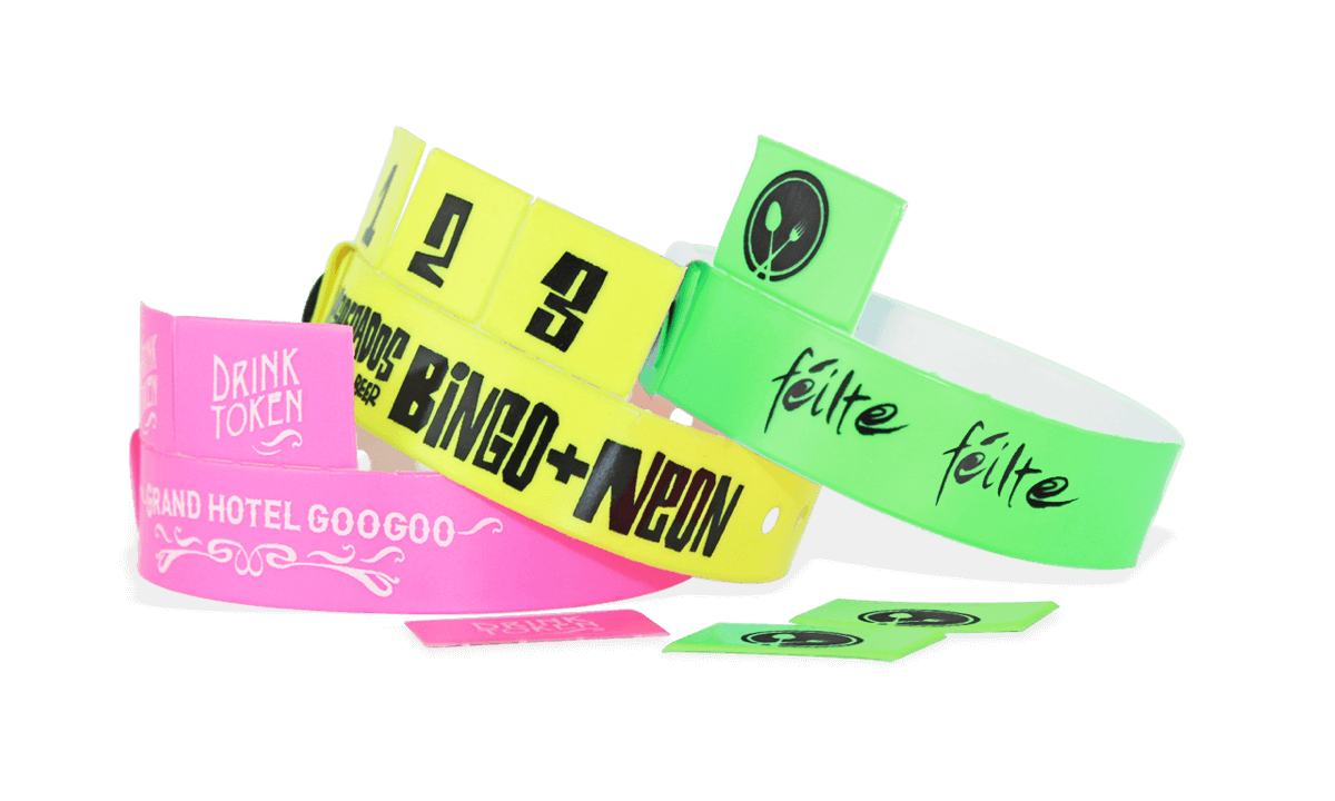 Personalisierte 3-Tab Vinyl-Armbänder, 19 mm